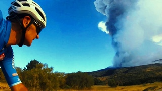 New explosive eruption of Mount Etna: A layer of ash covers Italy