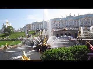 Великолепные фонтаны Петергофа.
