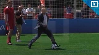 Путин и Инфантино сыграли в футбол на Красной площади