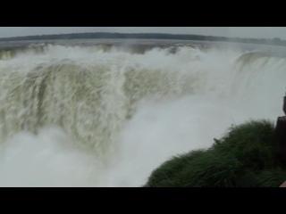 """БРАЗИЛИЯ  Водопад   Игуассу   котрый  местные  называют  """" Глотка  Дьявола"""""""