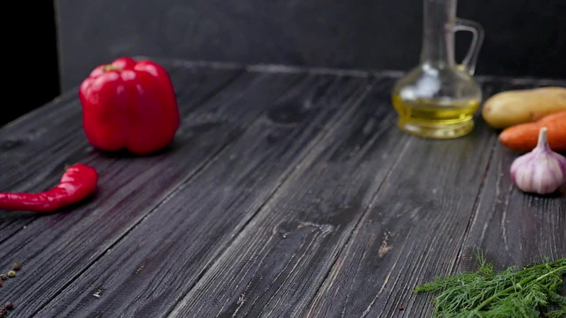 Как приготовить масляную курицу - Рецепты от Со Вкусом-1.mp4