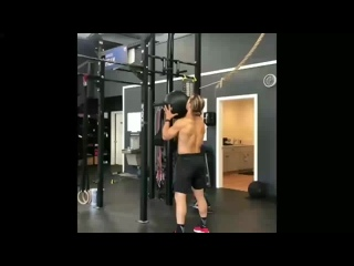 wall ball and squat by marcus filly