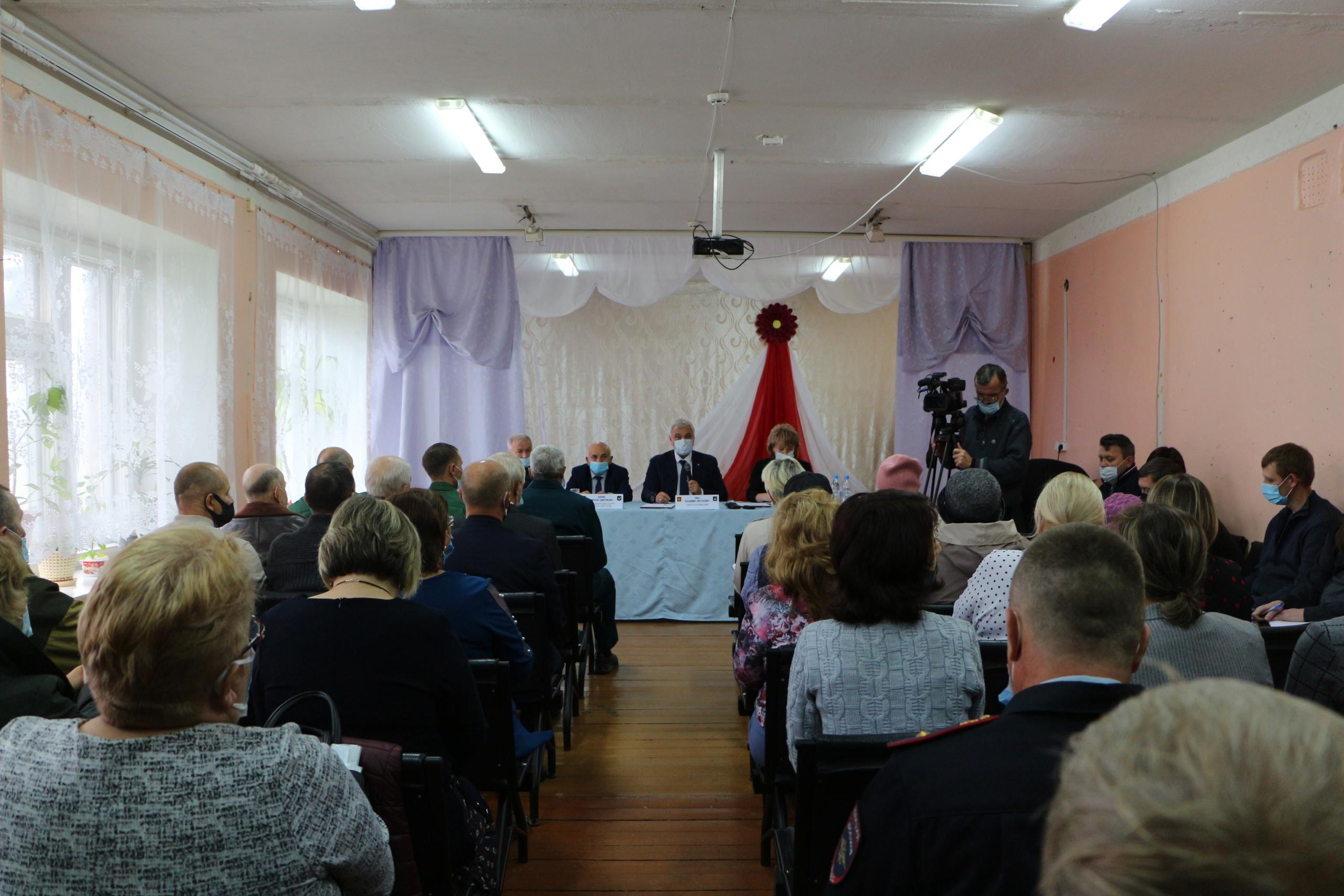 Во второй день рабочей поездки Глава Республики Коми посетил село Чернутьево и Большую Пыссу