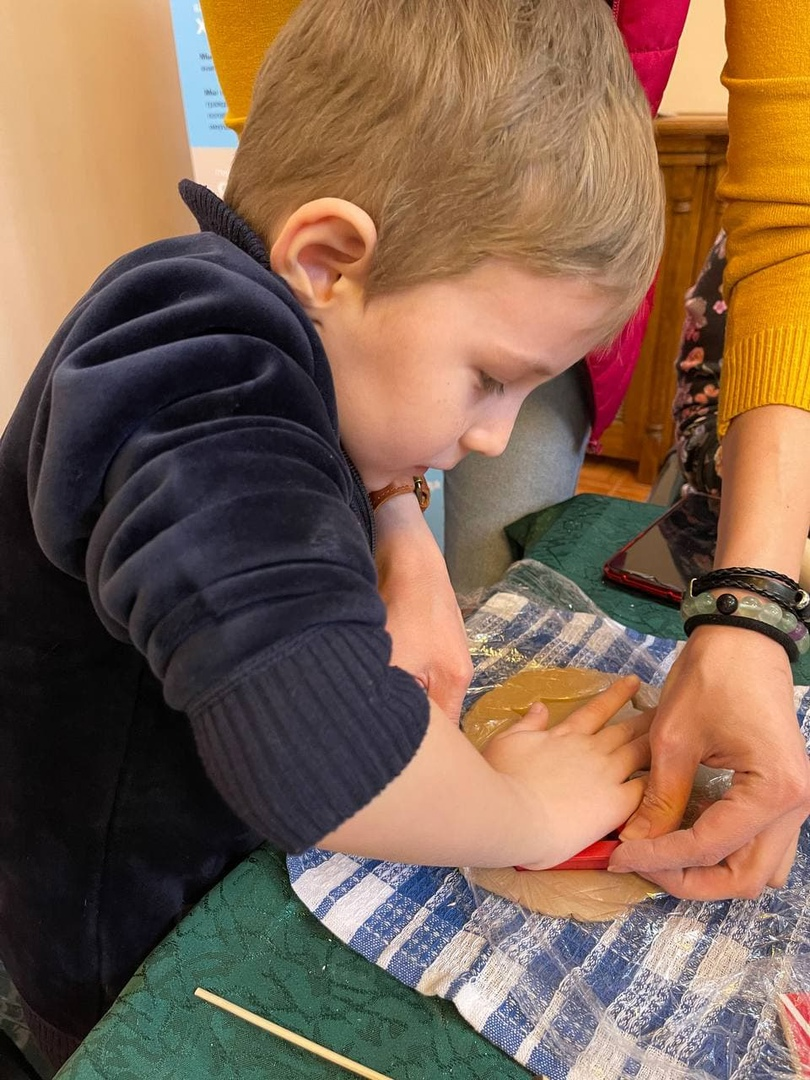 12 августа «День добрых дел» приглашает детей из многодетных семей на мастер-класс по лепке из глины, изображение №3