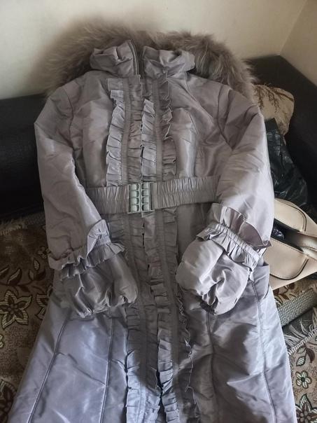 Зимний пуховик- пальто. Размер 52. Сломалась собач...