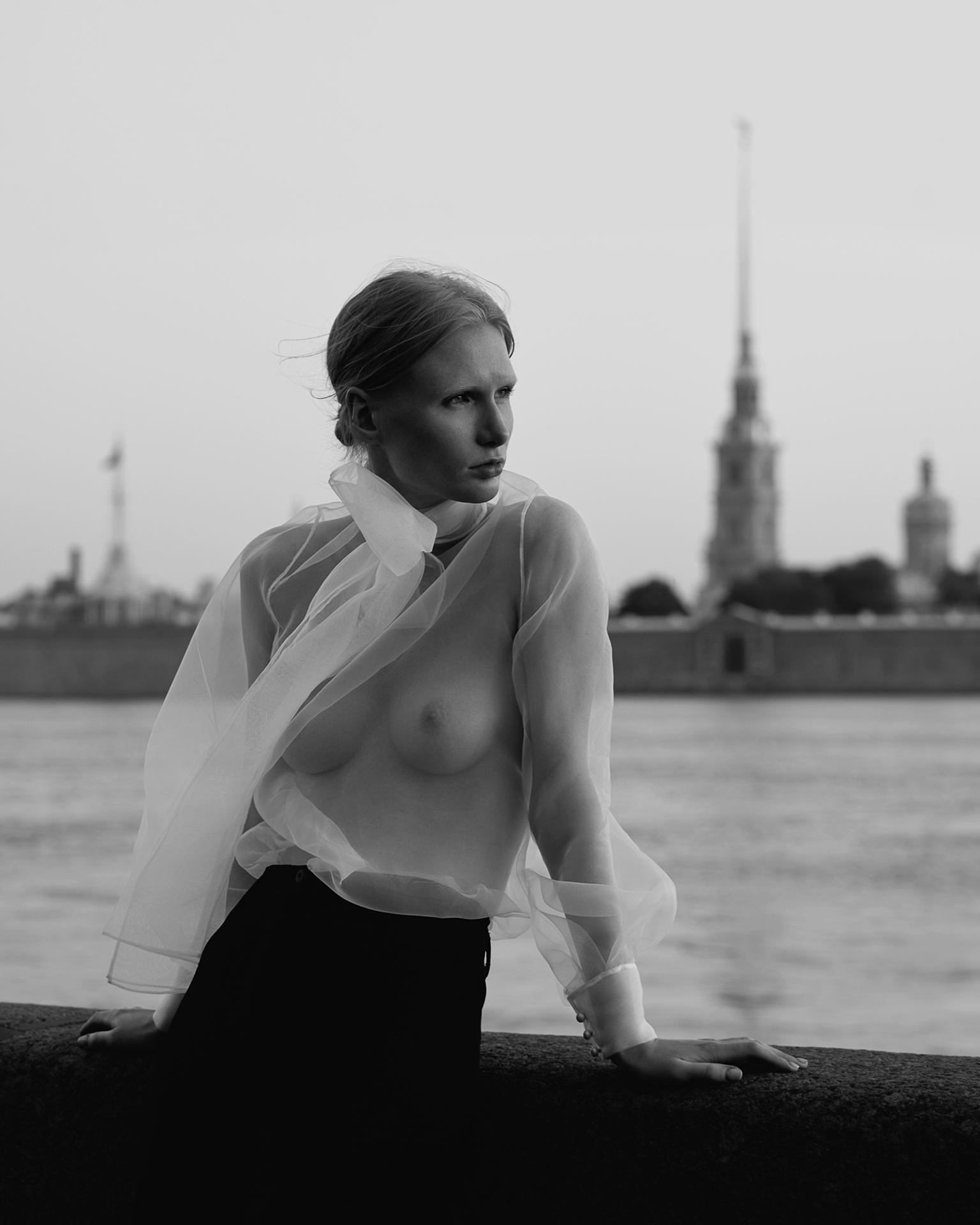 https://instagram.com/youngfolks_ru/