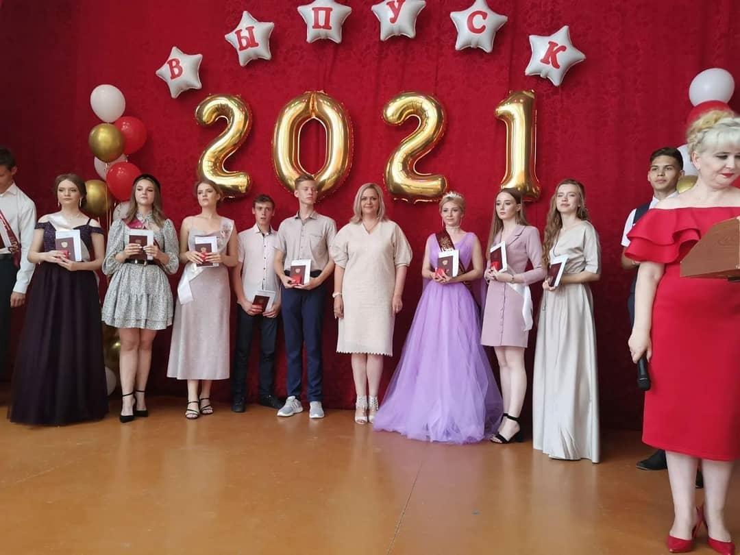 В школах Петровска прошли выпускные вечера