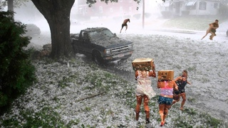 Chaos in Europe! Terrible disasters in Italy! Heavy hail fell on Parma